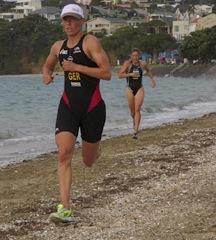 Anja Dittmer leads Samantha Warriner at the finish