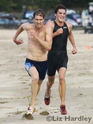 Brent Foster and Tony Dodds sprint finish